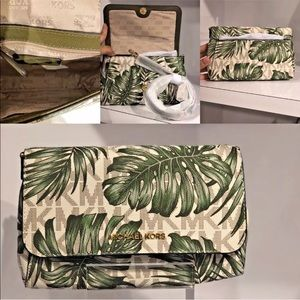 Michael Kors Vanilla Green leaves Pouchite NWT